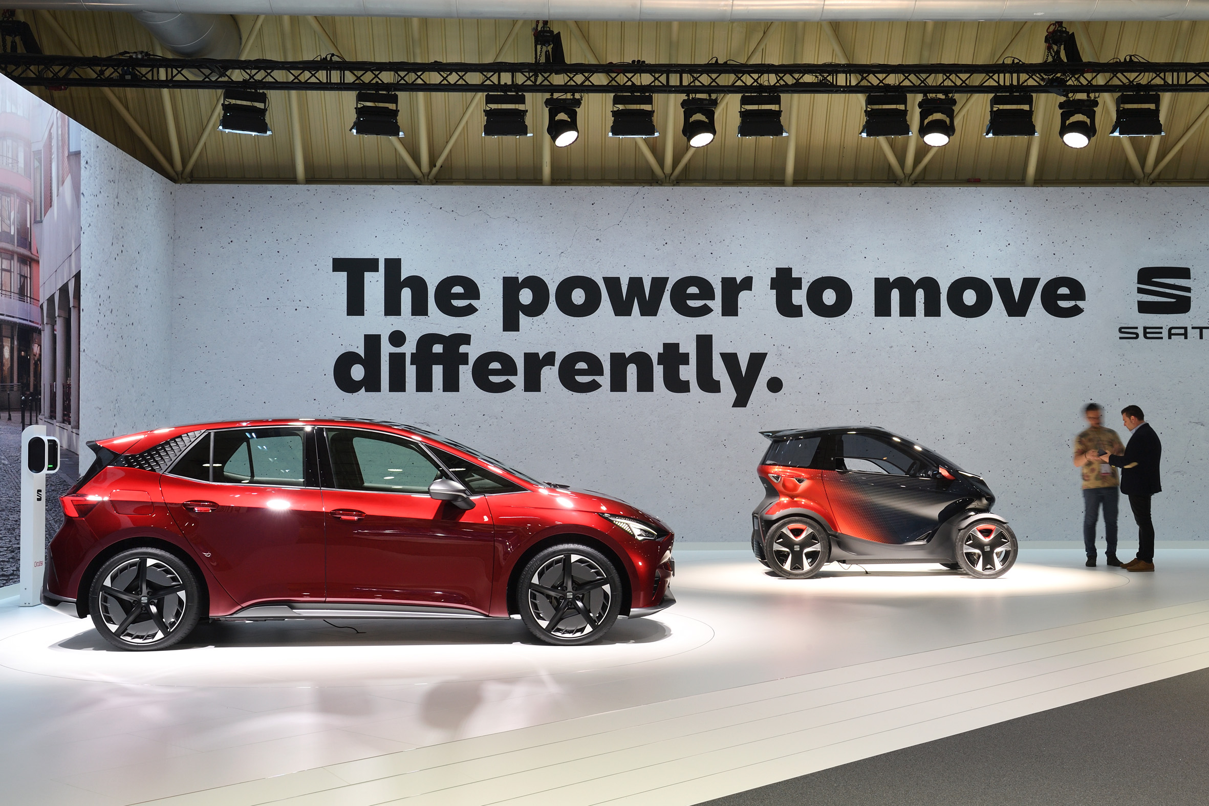 SEAT rolls out its electric offensive in Barcelona