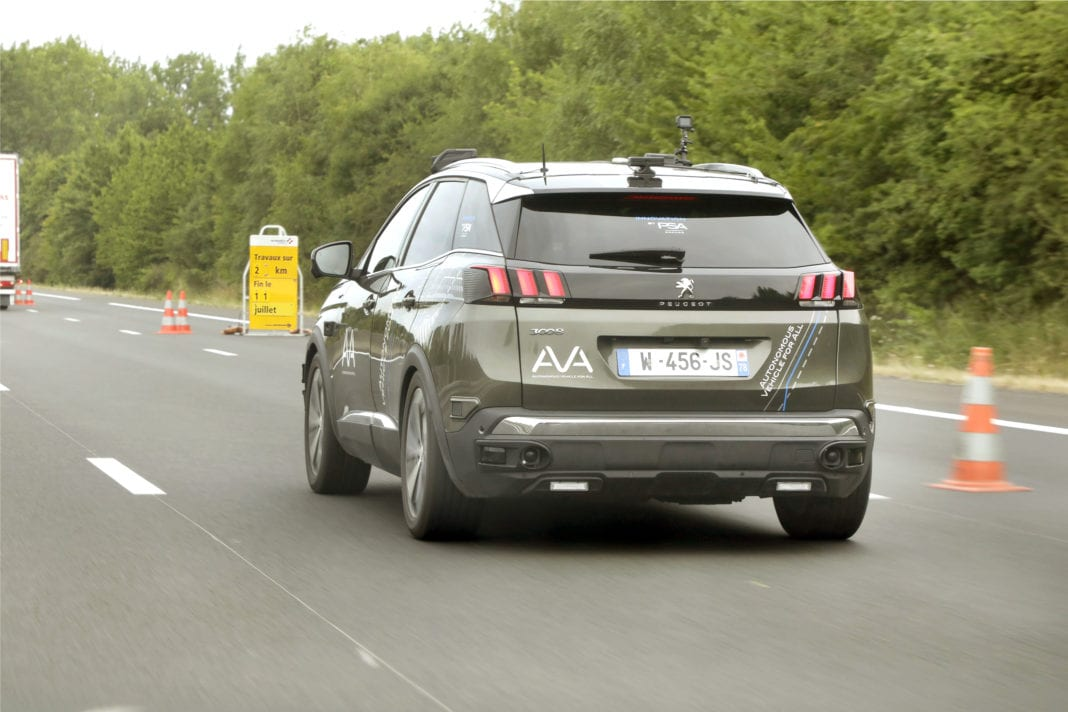 Autonomous vehicles reach a new milestone thanks to the collaboration between Groupe PSA and VINCI Autoroutes