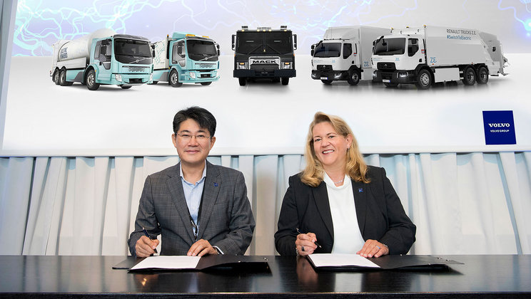 Volvo and Samsung Announce Electromobility Partnership