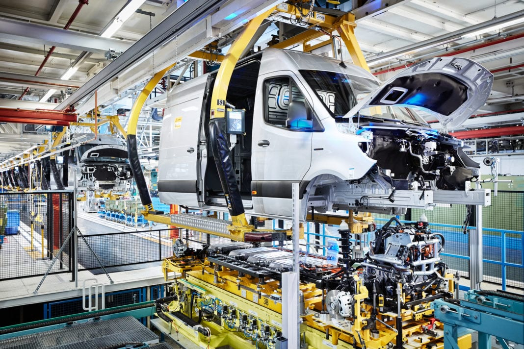 Mercedes Benz Werk Düsseldorf Feiert Produktionsstart Des Mercedes Benz Esprinter Mercedes Benz Dusseldorf Plant Celebrates Start Of Production Of The Mercedes Benz Esprinter