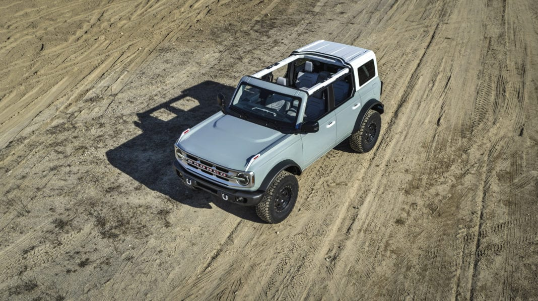 The four-door 2021 Bronco will have available removeable modular roof sections – left and right front panels, a full-width center panel and a rear section. Roof panels on both two- and four-door models can be easily removed by unlocking the latches from the interior to provide the largest overall open-top view in its class to take in the sunshine or to gaze at the stars at night