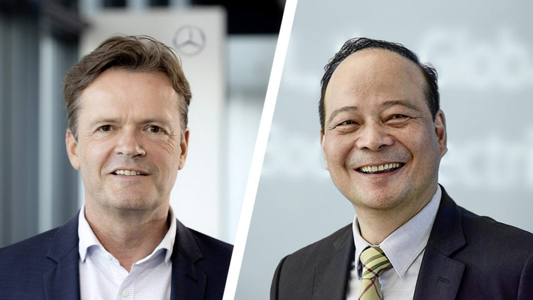 Markus Schäfer, Member of the Board of Management of Daimler AG and Mercedes-Benz AG (L) and Dr. Robin Zeng, Founder, Chairman and CEO of CATL (R)