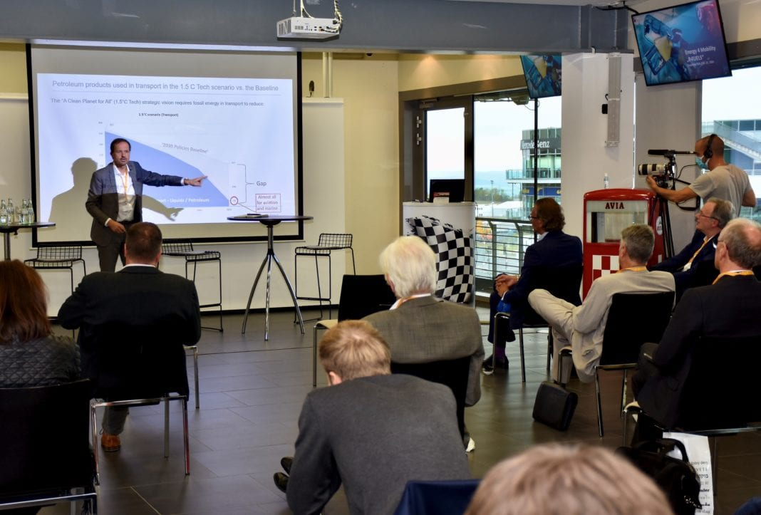 Alain Mathuren, Communication Director at FuelsEurope, during the expert talk on the topic of 'E-fuels'