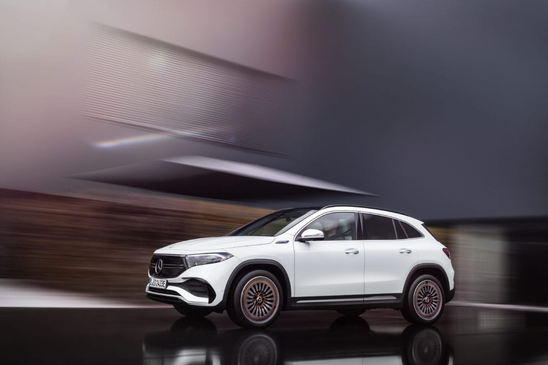 Mercedes-EQ, EQA 250, Edition 1, driving shot, digital white. EQA 250 (combined power consumption: 15.7 kWh/100 km, combined CO2 emissions: 0 g/km)