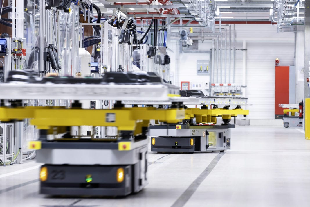 Mercedes-EQ starts production of battery systems for the new EQS and expands EV expertise