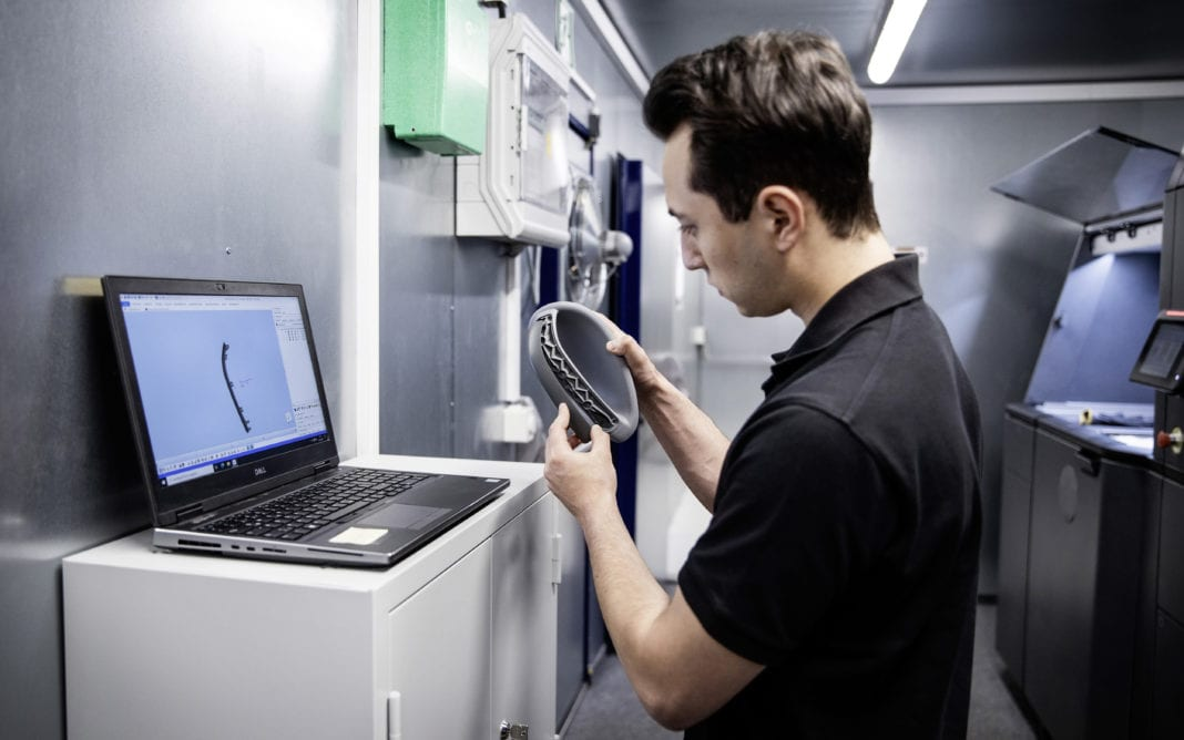 Using 3D printing Daimler Buses can react fast and flexibly to urgent customer requirements, for example when customers order rarely required parts or have special requests